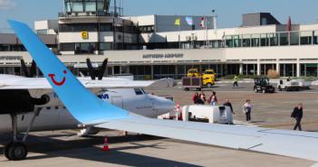 Antwerpen Airport Vliegtuig Volgen